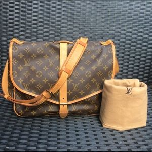 💯💯 Authentic Louis Vuitton Monogram Saumur 35